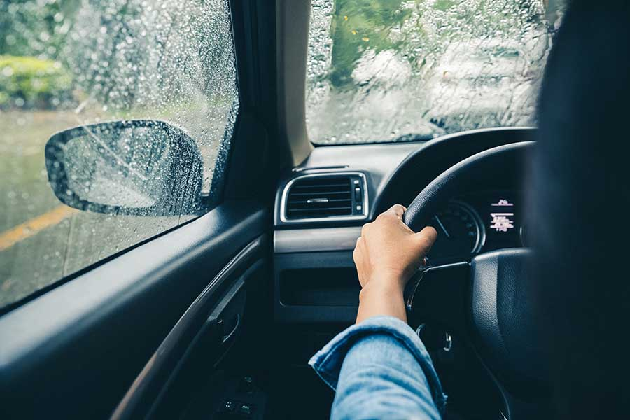 7 Important Wet Weather Driving Tips