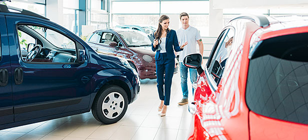 Purchasing a Used Vehicle from a Car Dealership